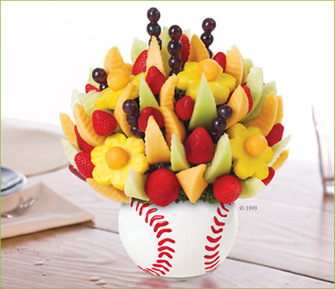 Triple Play Bouquet<br>تريبل بلاي بوكيه | Edible Arrangements®