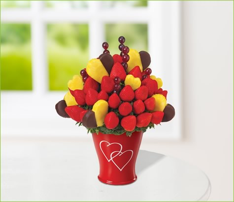 Hearts & Berries with Dipped Hearts | Edible Arrangements®
